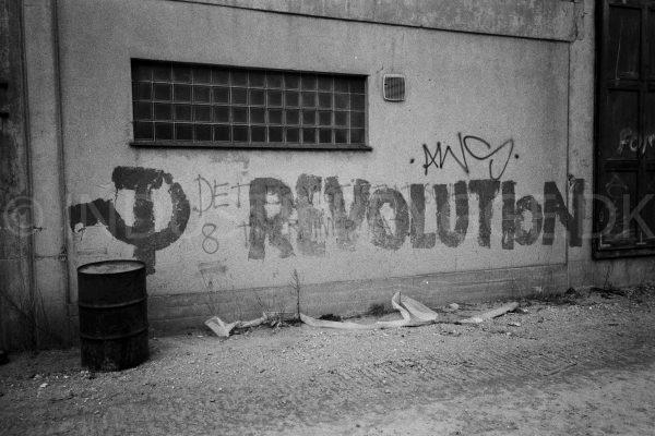 Revolutionsgraffiti på Wenberg Silo på Islands Brygge